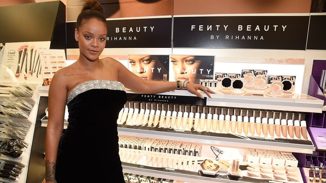 rihanna-launches-fenty-beauty--1504870335-list-handheld-0